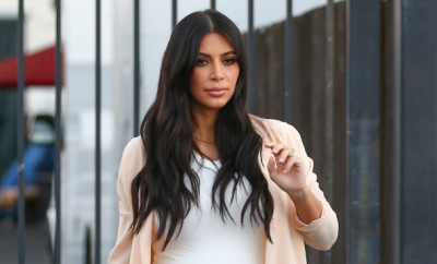 Van Nuys, CA - Kim Kardashian shows her growing baby bump as she leaves the studio after a taping of their family reality show.     AKM-GSI July 27, 2015    To License These Photos, Please Contact :    Steve Ginsburg  (310) 505-8447  (323) 423-9397  steve@akmgsi.com  sales@akmgsi.com    or    Maria Buda  (917) 242-1505  mbuda@akmgsi.com  ginsburgspalyinc@gmail.com