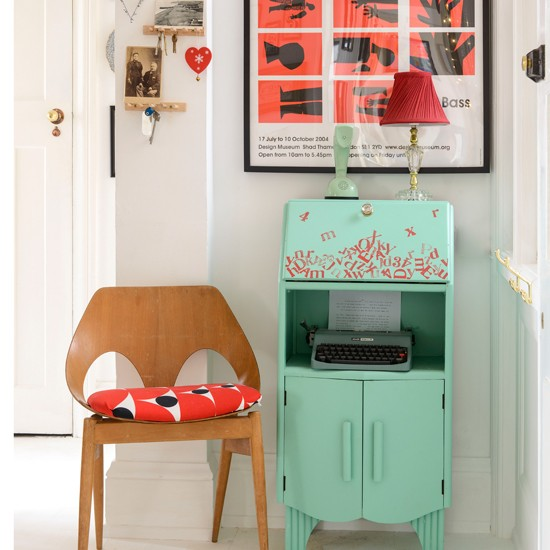 Retro-Hallway-Style-At-Home-Housetohome