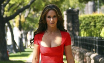 jennifer-love-hewitt-on-the-set-of-the-client-list-854760896