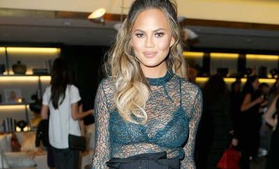 Chrissy-Teigen-sported-high-waisted-pants-