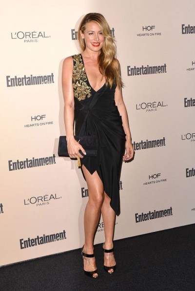 Pregnant-Cat-Deeley-at-Entertainment-Weekly-Pre-Emmys-party