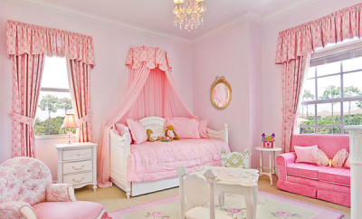 Royal-pink-kids-room-design-with-white-drawer