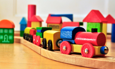 Toy-Railway-000016610192_Small