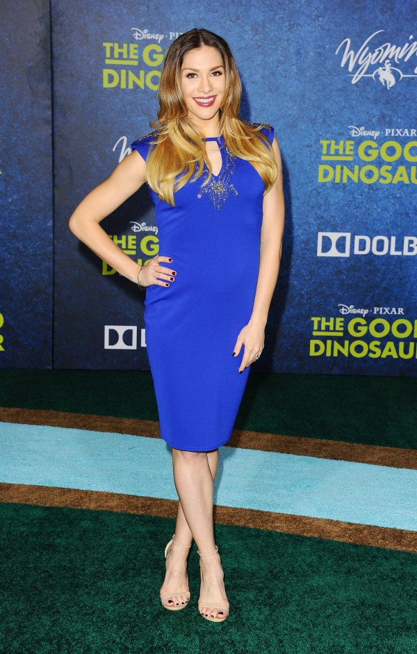 allison-holker-at-the-good-dinosaur-premiere-in-hollywood-12