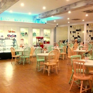 Alice Tea Room Malang2