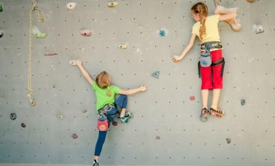 climbing-shutterstock-web