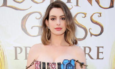 052416-anne-hathaway-alice