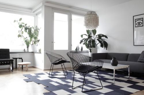 11-Black-and-white-living-room