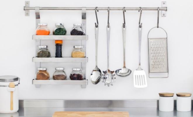 iStock-20898497_organized-modern-kitchen
