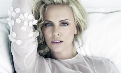 08-38-35-Charlize-Theron-Net-Worth