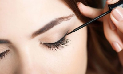 25698-3-Eyeliner-Tricks-All-Women-Should-Know.jpg.660x0_q80_crop-scale_upscale