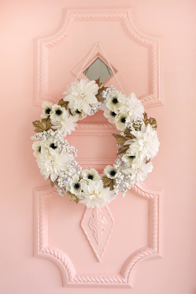 Snowy-White-Bronze-Wreath