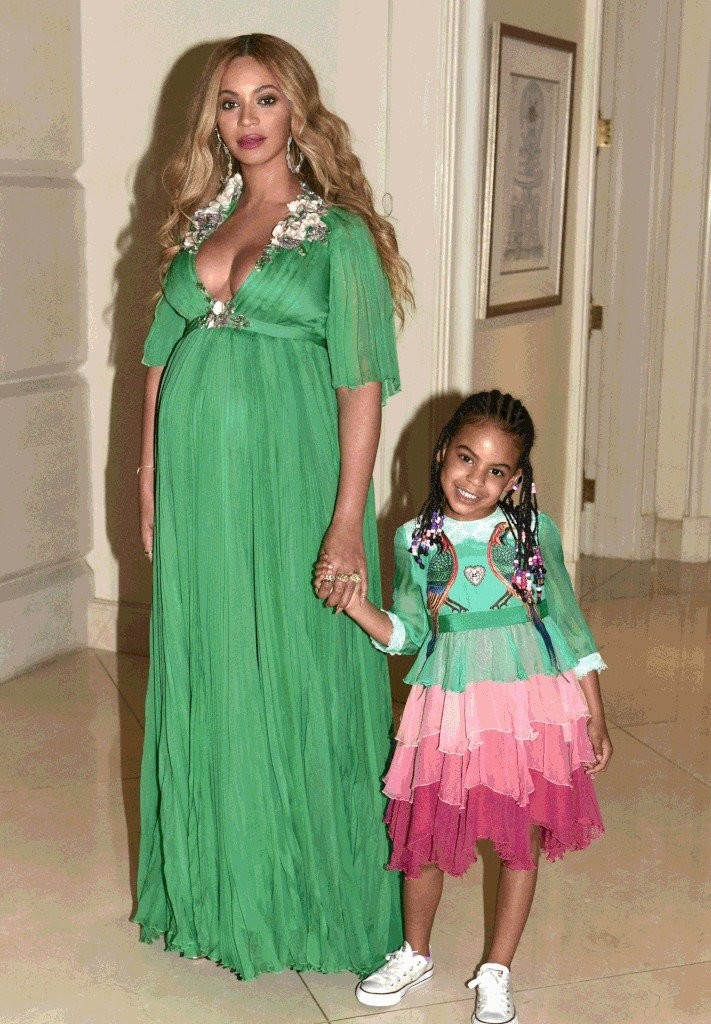 Beyonce-Blue-Ivy-Gucci-Dresses-Beauty-Beast-2017