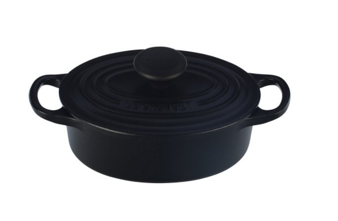 Le-Creuset-Oval-Dutch-Oven-Matte-Black-135