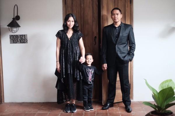 Laila Munaf dan keluarga