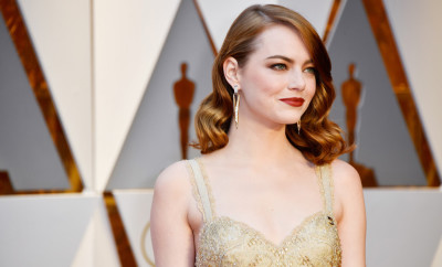 Emma-Stone-Oscars-2017-Red-Carpet-Fashion-Givenchy-Couture-Tom-Lorenzo-Site-1