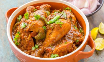 Spicy Indian chicken curry dish- kadai chicken.