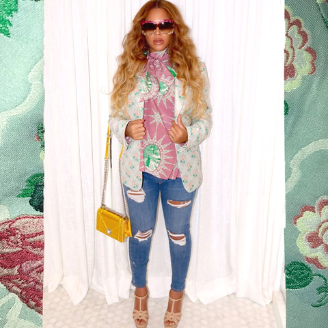 050817-beyonce-maternity-style-slide