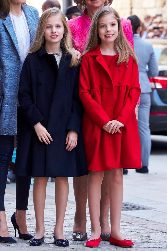 Princess Leonor and Infanta Sofía in 2017