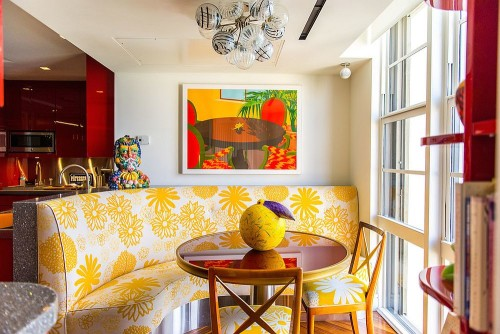 Tropical-breakfast-nook-with-colorful-seating