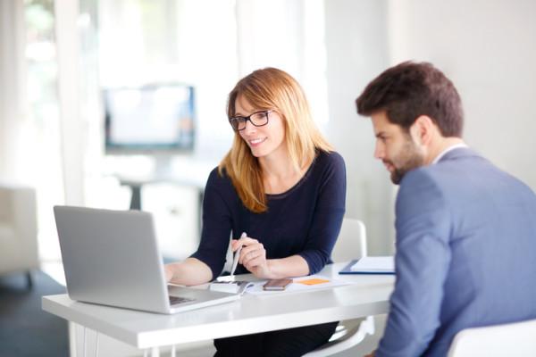Sharing pengalaman dan ilmu pada karyawan.