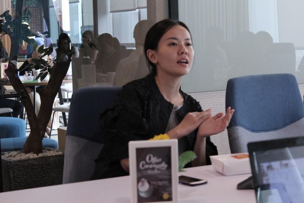Jesslyn Rahardjo dari Herbana memperkenalkan Herbana ReliefSari Complete Wellness Package.
