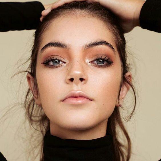 monochromatic-makeup-trend-2017-5