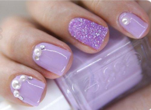 Purple-Glitter-Accent-Nail-Art
