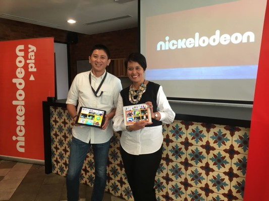 ki - ka: Mr. Eriek H. Lukito (Telkomsel) & Ms. Syahrizan Mansor (Nickelodeon)