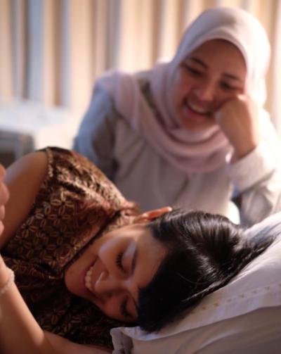 Nujuh Bulan menyediakan Doula Service untuk mendampingi masa persalinan calon mama.