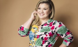 Cute-Kelly-Clarkson-Photoshoot-Images