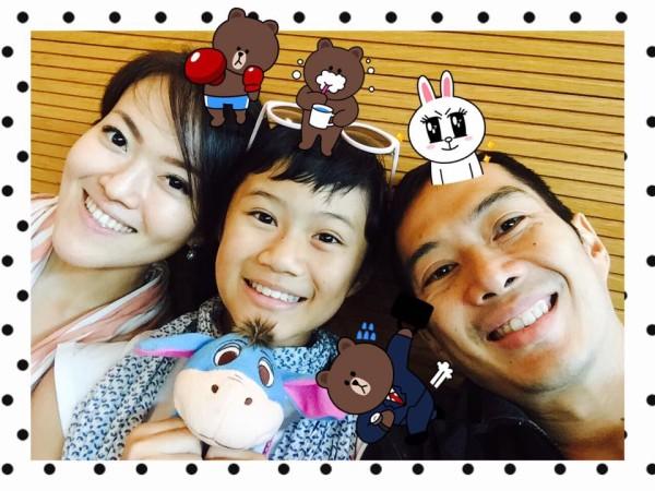 Novia & family
