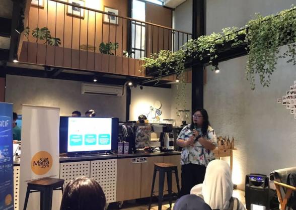 Anita A. Winata  - Product Manager Sensitif saat berbagi informasi rangkaian produk untuk mempersiapkan kehamilan.