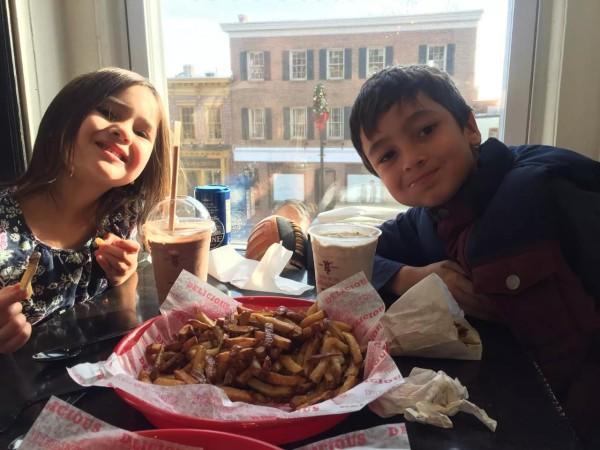 Neha & Javas saat menikmati waktu bersama di Maryland, US.
