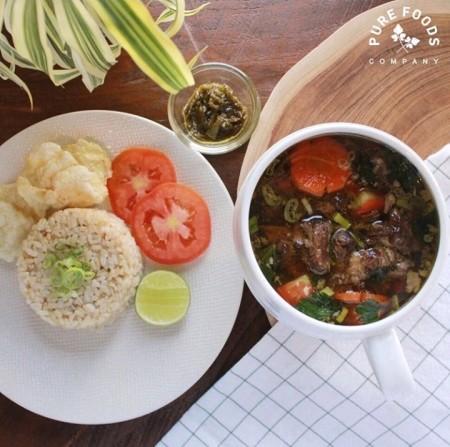 Salah satu menu sehat Pure Foods Company: Sop Buntut.