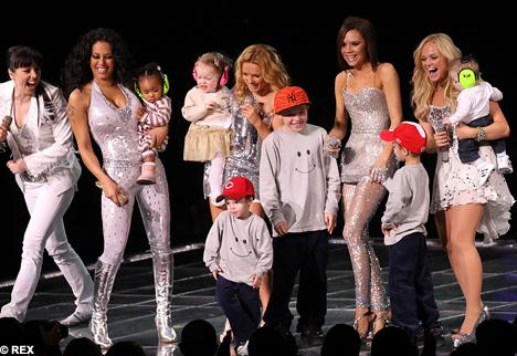 Foto ini diambil saat Spice Girls melakukan konser di New York, 2008.